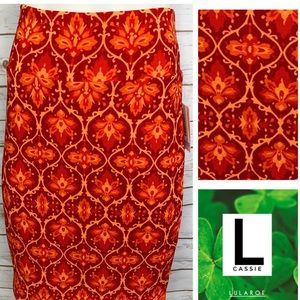 L Cassie reds/oranges medallion print pencil skirt